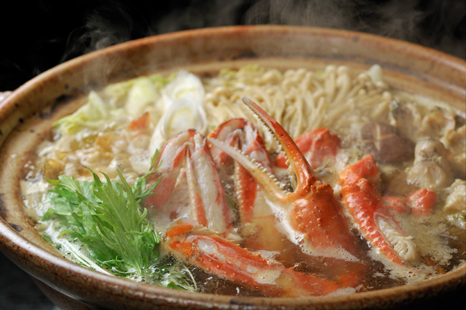 The winter-only hot pot plan includes seafood and crab pot, as well as a choice of shabu-shabu or sukiyaki.